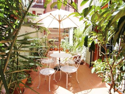 Photo for Valencia: Flat with airconditionong, terrace, WiFi, in the Center- Valencia