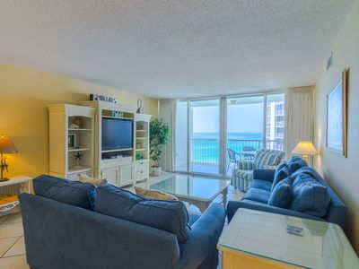 Photo for Amazing 2 bedroom condo on the beach with beach service and full of amenities!