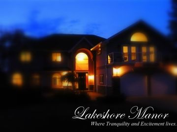 Luxury Lakefront Property! - 8 Bedrooms, Hot Tub, Spa & Games Room