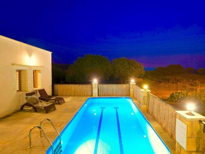 Photo for Beautiful private villa for 7 people with WIFI, private pool, A/C and parking
