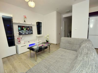 Photo for Nice apartment for 4 guests with A/C, WIFI, private pool, TV and parking