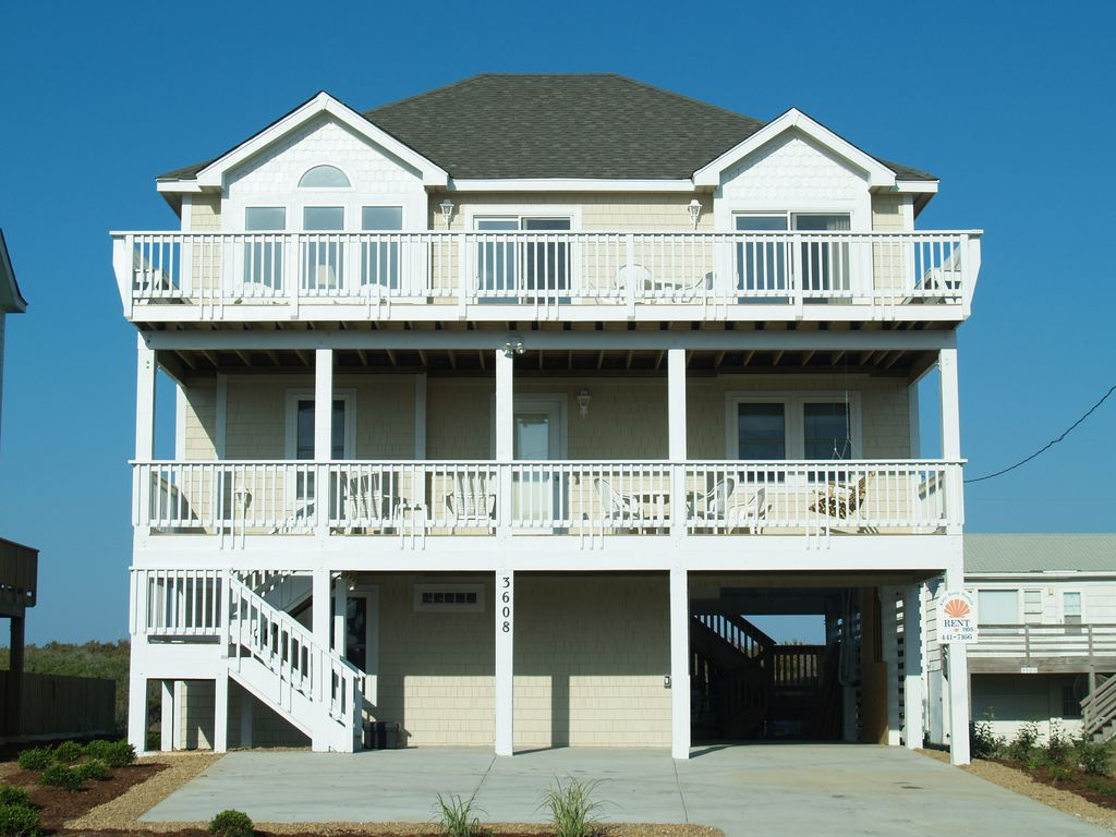 K1105 Sand Baggers Beach House. Pool/Hot Tub, Pool Table, Near Nags Head Pier