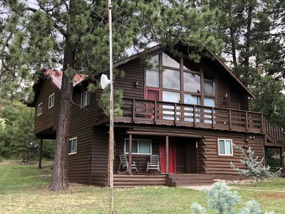 Cozy one bedroom cabin, close to Wolf Creek and Private fishing