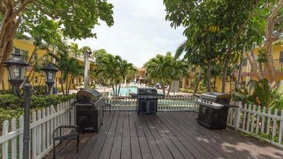 Photo for Relax on lovely Pompano Beach with Sea Gardens!