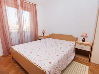 Photo for One bedroom apartment with balcony and sea view Slatine, ÄŒiovo (A-5999-c)