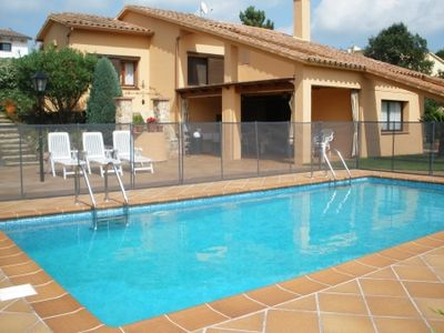Photo for 7 bedroom Villa, sleeps 14 in Lloret de Mar with Pool and WiFi