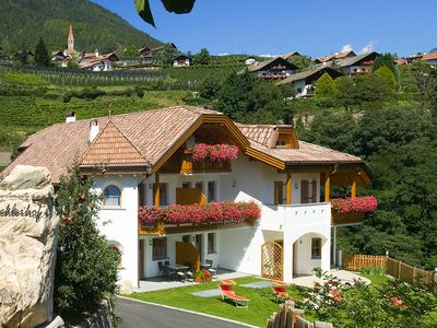 """Photo for Cosy holiday apartment """"Tischlerhof - Typ B mit Terrasse"""" with Wi-Fi, terrace and mountain view; parking available"""