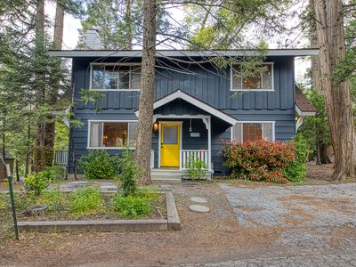 Photo for NEW LISTING!!  Spacious family cabin w/ large deck & forest views