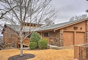Photo for 3BR Townhome Vacation Rental in Fayetteville, Arkansas