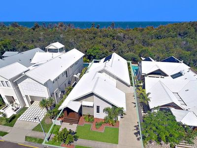 Photo for Beachway Holiday House - Luxury Holiday Home - Pet friendly and 200m to beach