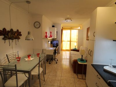 Photo for Los Cristianos 2 bedroom quiet, Pool, 150 meters from the sea Wifi High Speed