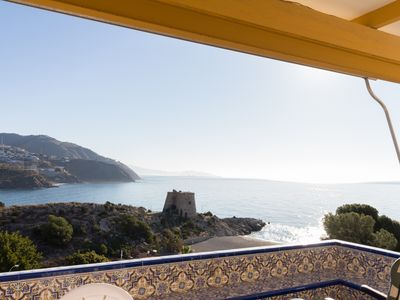 Photo for Apartment with pool, terrace and sea views