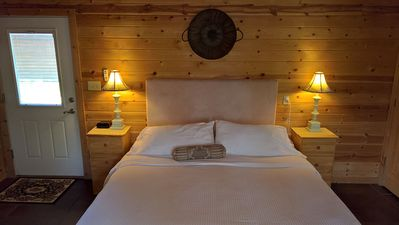 Photo for Cabins at Sugar Mountain, Sugar Suite #5, King Bed, WiFi, Jetted Spa Tub, Private Patio