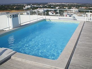 Roof top pool at the apartment in Armacao de Pera