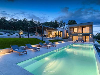 Photo for Luxury, modern villa with pool in Central Istria