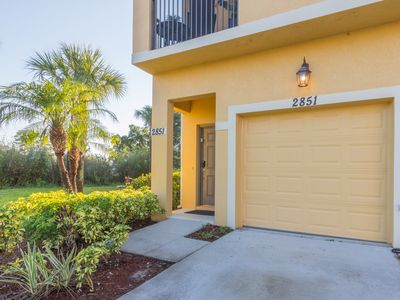 Photo for Beautiful Condo in Oakwater Resort - Just 2 miles from Disney World!.