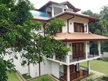 Photo for Dilray Villa - In Central Province (Kandy District)