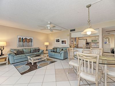 Photo for Magnificent Bayside- 310 3rd fl Canal View, Free Wi-Fi, Central A/C, Beach Access