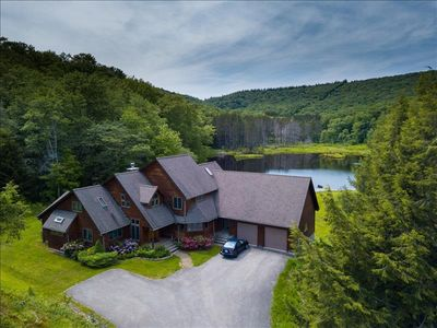 Photo for Lakefront Home! Pet Friendly! Hot tub, Rec Room! Sleeps 8