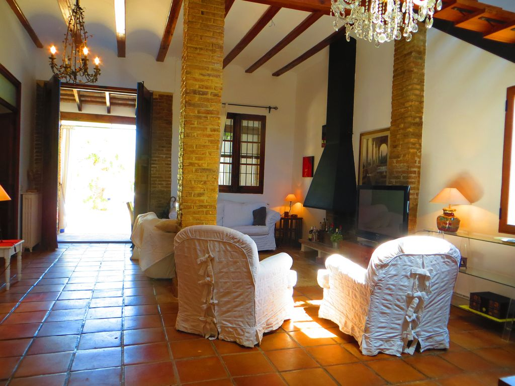 Great house with pool and large garden... - HomeAway Valencia