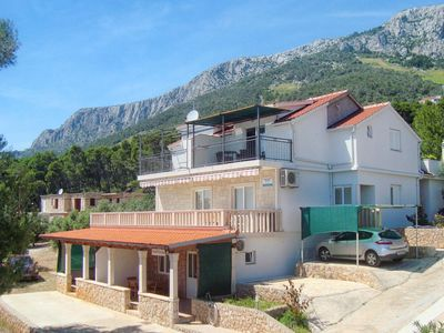 Photo for 1BR Apartment Vacation Rental in Jelsa