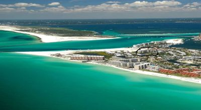 Photo for Destin Pointe !  Views of  the Gulf, East Pass & Harbor. Free beach service!