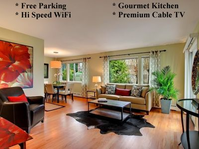 QUEEN ANNE 2BD CONDO - AC - PRIVATE OUTDOOR DECK WITH VIEW - 5 STAR RATINGS