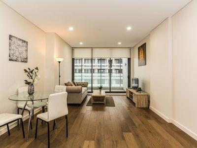 Photo for New, Bright Apartment in Waterloo near park