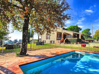 Photo for Large villa with private pool and panoramic views set in the heart of Chianti