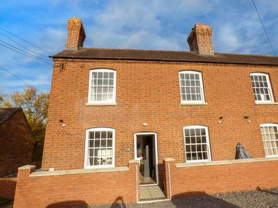 Photo for 1 WILLOW COTTAGE, family friendly in Upton Upon Severn, Ref 944709