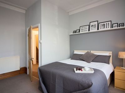 Photo for Apartment 972 m from the center of Cardiff with Internet, Washing machine (923809)