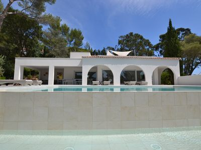 Photo for VILLA GIGARO, ST TROPEZ GOLF, upscale NEW 50 m from the beach, 10 pers