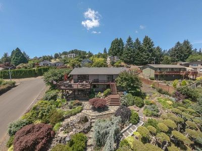 Photo for 3 bed / 3 bath Dundee Hills Home: The View