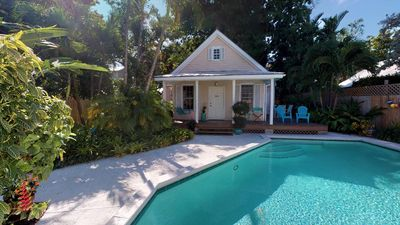 Photo for ELIZABETH'S SECRET - 2/2-Old Town WEEKLY vacation rental-Private pool-Parking