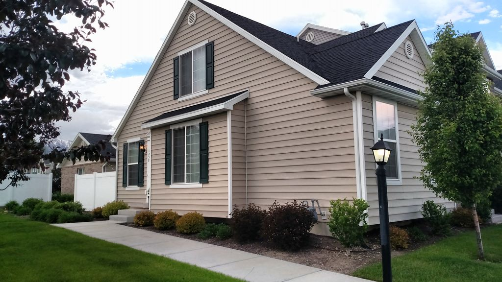 Beautiful Town Home Located Near Downtown Provo Orem