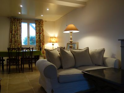 Photo for Charming Cottage 8 persons 17km Disneysland and Val d'Europe -45km Paris