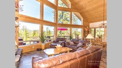 Photo for Chalet with amazing views, a hot tub, BBQ and a fireplace. Pets welcome!