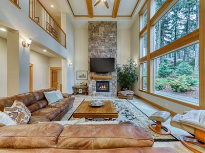 Photo for Luxurious home with lots of entertainment & more - dogs okay!