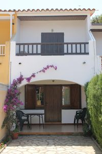 Photo for HOUSE IN L'ESCALA. QUIET AREA NEAR THE BEACH. IDEAL FAMILIES.