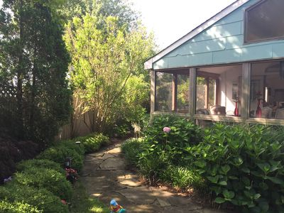Photo for WESTHAMPTON 3BR2BA, 2 WKS TO 1 MO AUGUST $2500/WK