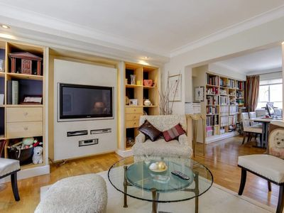 Photo for Stylish 2bed apartment in Marylebone 5mins to tube