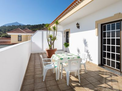 Photo for Beautiful Vingate apartment with terraces and views of the Teide National Park