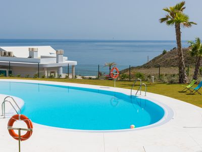 Photo for New luxury large 4-Zi. Where.  in Reserva del Higueron, 180 ° Seeview, large terrace