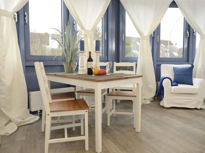 Photo for Enjoy the maritime atmosphere of this two-room apartment in Hamburg-Sasel.