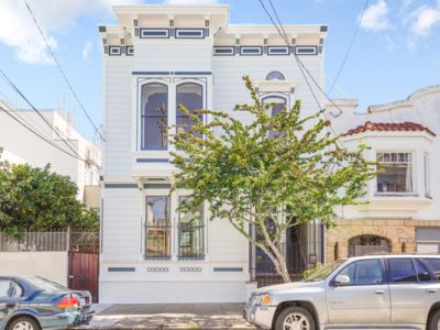 Photo for Beautiful 3 Bedroom Victorian in Heart of Mission
