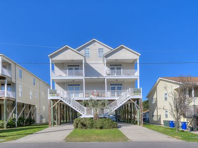 Somers By The Sea 1 North, Luxury Rental, Blocks from Beach, Game Room, Shared Pool
