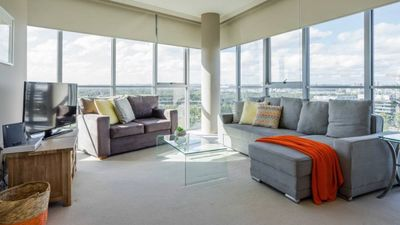 Photo for Australia Towers 9.01 // 1 Bed Bright and Spacious Apartment with Views!