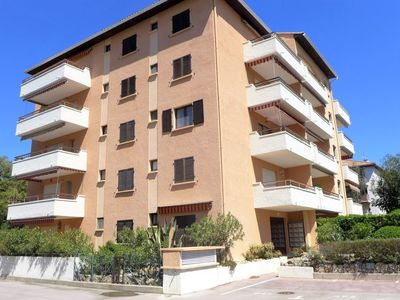 Photo for Apartment in the center of Cavalaire-sur-Mer with Lift, Parking, Internet, Washing machine (668518)