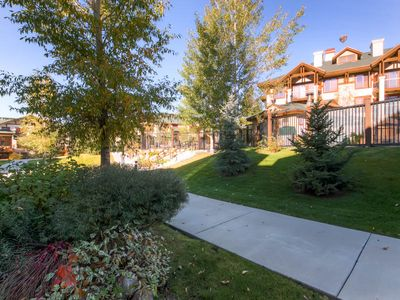 Resort amenities boasting a pool and hot tubs await you at this large townhome