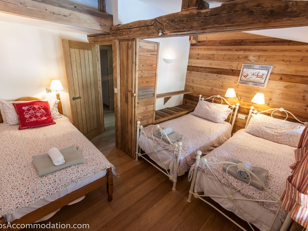Luxury eco chalet in Samoens centre, with 5 bedrooms, hot tub ...